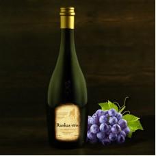 """Semi-sweet wine of Latvian grapes 0.75l """"Rankas Vīns"""""""