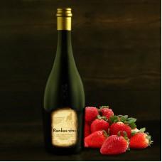 "Strawberry wine 0.75l ""Rankas Vīns"""